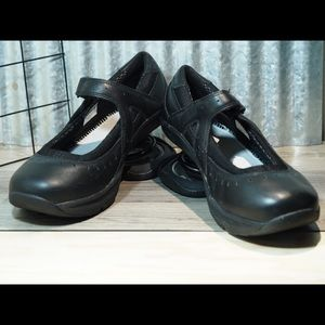 Z-Coil Mary Jane Style Shoes